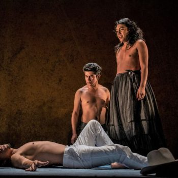 The Song Goes On: A Review of Andares at Chicago Shakespeare Theater and Makuyeika Colectivo Teatral
